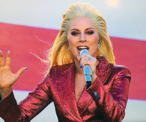 Lady Gaga sings the national anthem for Super Bowl