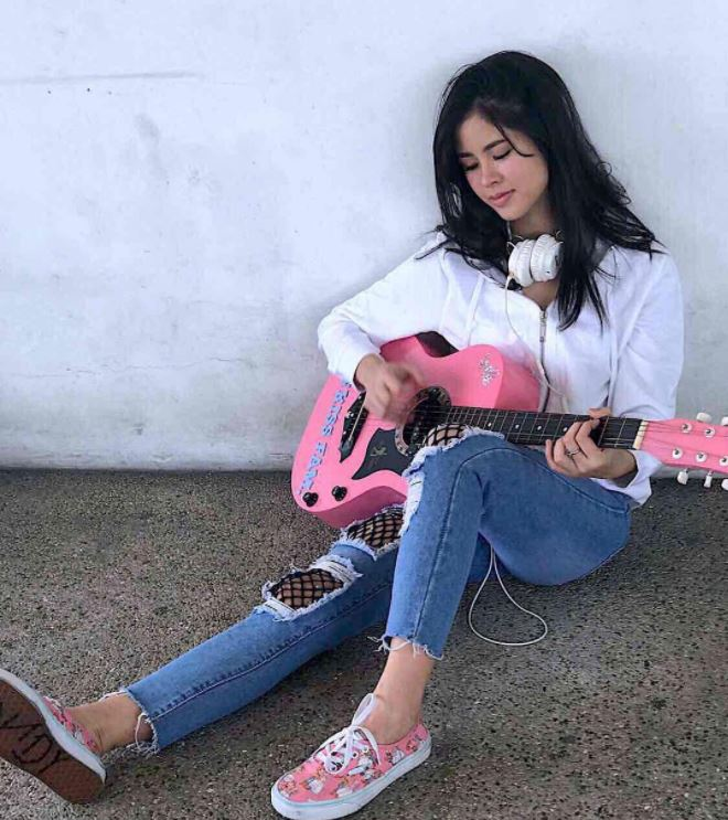 Pinoy Big Brother 737 Alumna Kisses Delavin Ventures Into the Music Scene