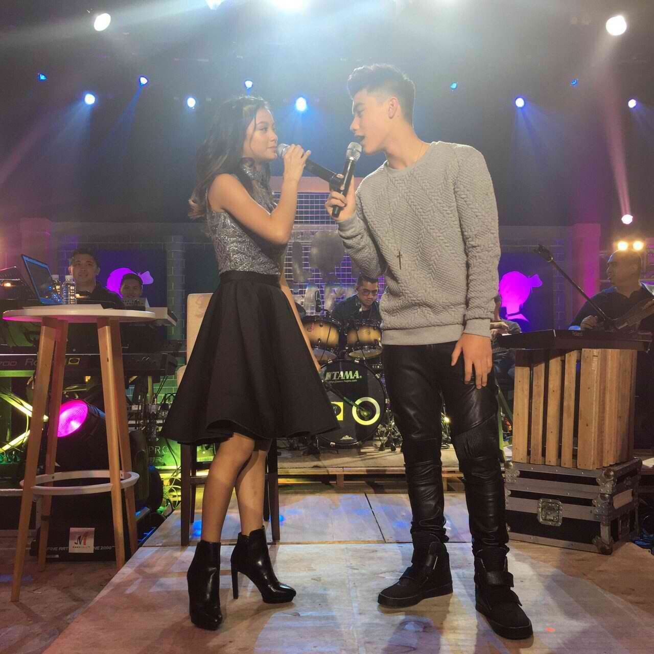 WATCH: Bailey May performs at Ylona Garcia's digital concert