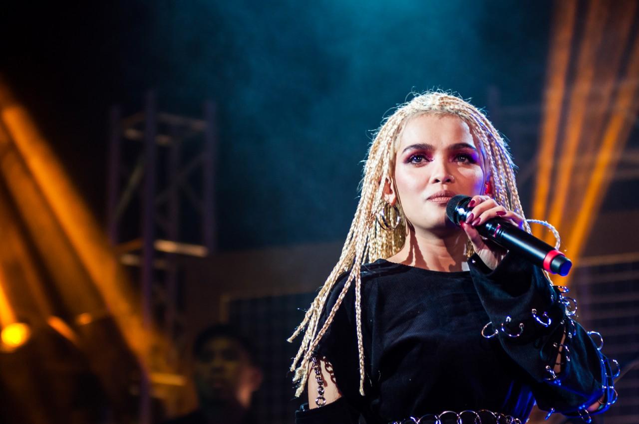 Entertainment blog site recognizes the 'Kita Kita' theme song