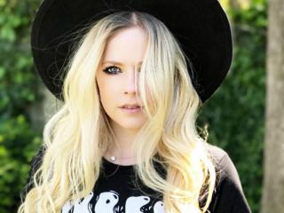 The world 'misses' Avril Lavigne